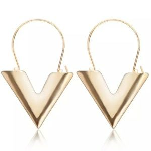 NEW Gold Tone V Earrings